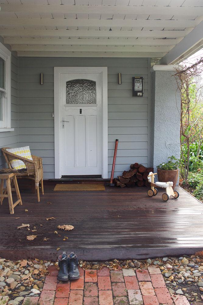 F&E - Front Porch-2262