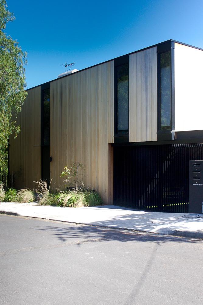 Home Exterior Garage2-2016